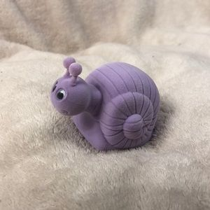 SNAIL NECKLACE WITH SNAIL STORAGE BOX